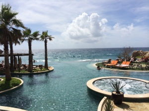 Ahhhh the view! Infinity pools with the Pacific Ocean… take me back!